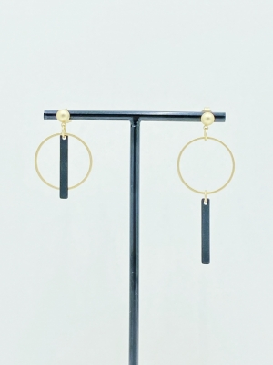 Asymmetrische oorhanger zwart / goud